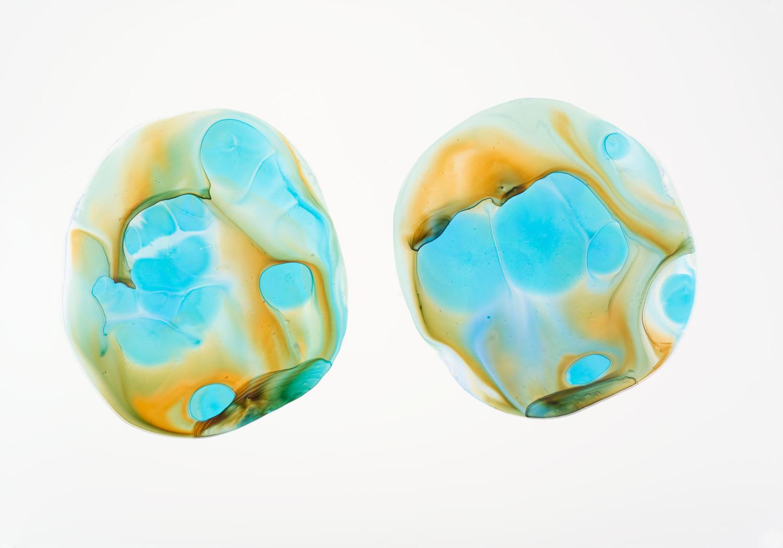 Michelle Concepción, Pearl 32, acrylic on paper, 100 x 70 cm, 2013